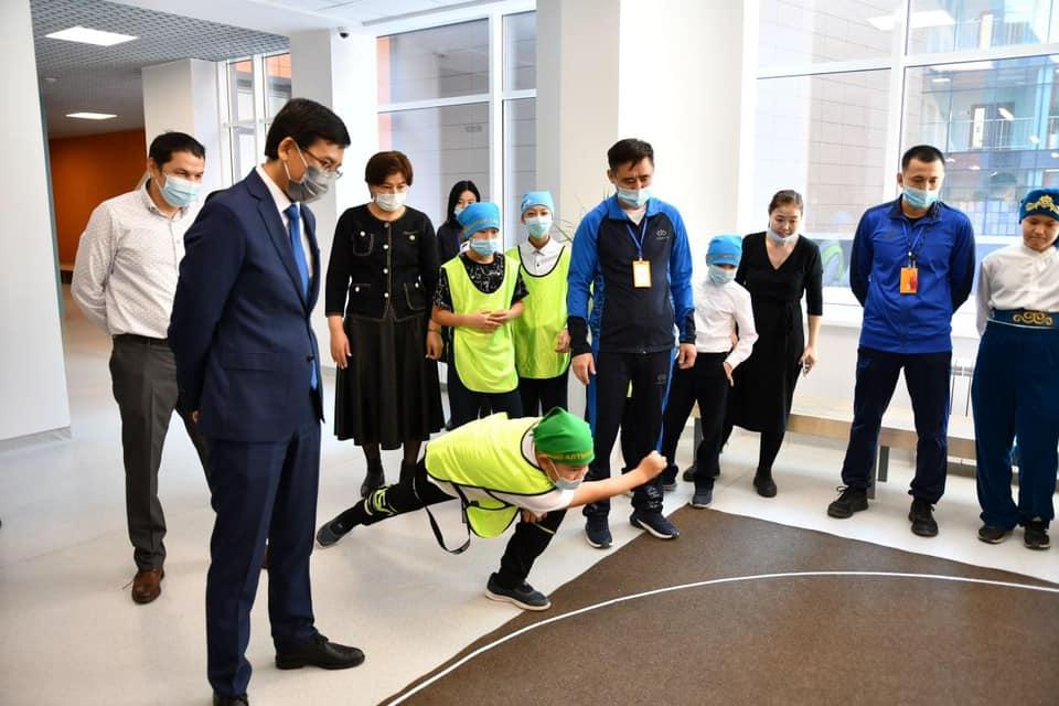 Министр образования и науки Асхат Аймагамбетов принял участие в открытии Национальной школьной спортивной лиги